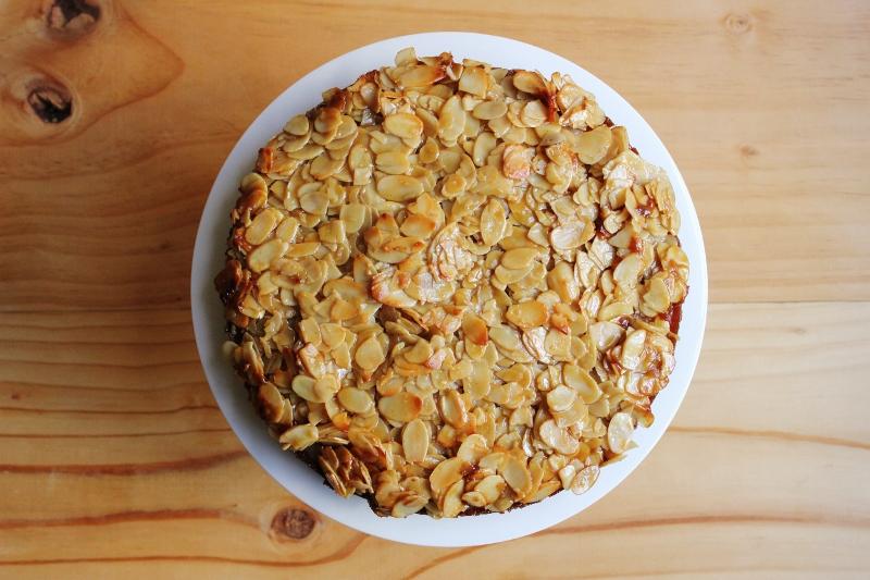 Toscakaka Caramel Almond Sponge Recipe