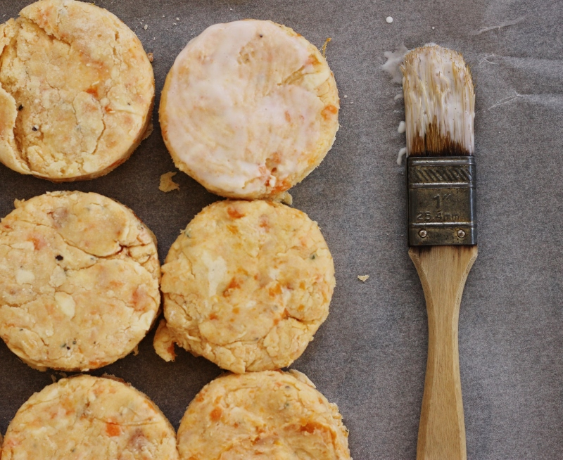 Sweet Potato, Cream Cheese and Rosemary Biscuits | TheSugarHit.com