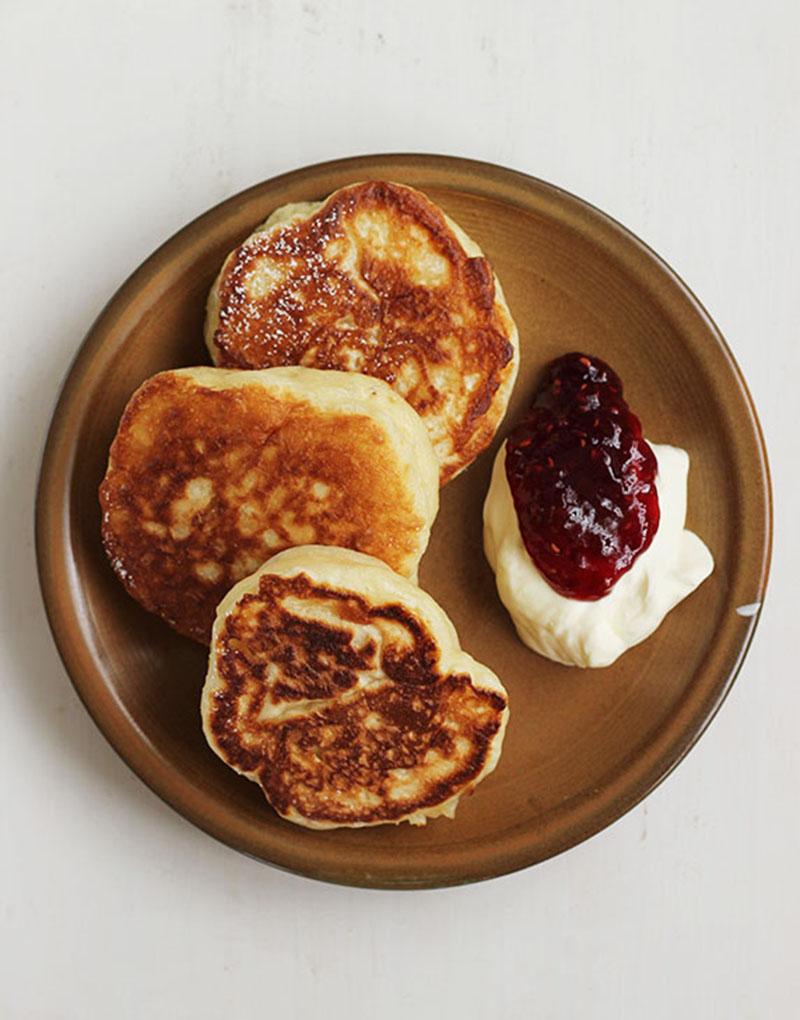 Racuszki {Polish Yeasted Pancakes}