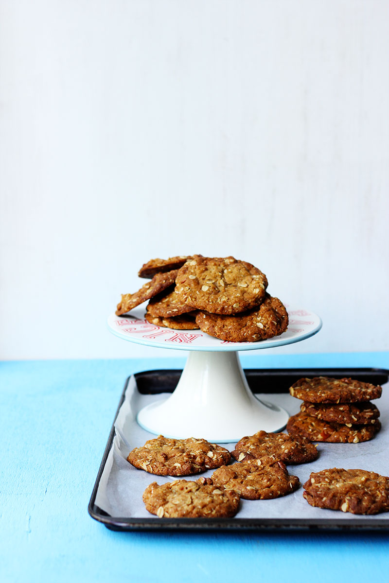 Salty Pecan Vanilla and Oat Cookies | The Sugar Hit