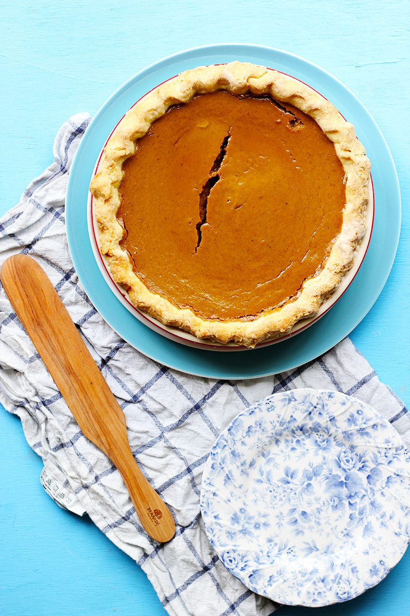 Bourbon Spiked Pumpkin Pie with Vanilla Bean Whipped Cream | The Sugar Hit