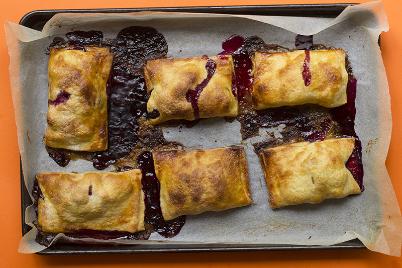 Burnt Vanilla, Peach and Blueberry Hand Pies // The Sugar Hit