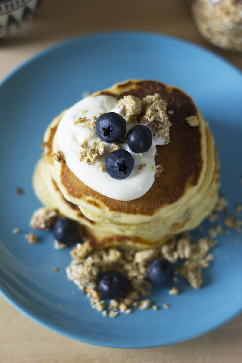 Honey Nut Granola Pancakes // The Sugar Hit