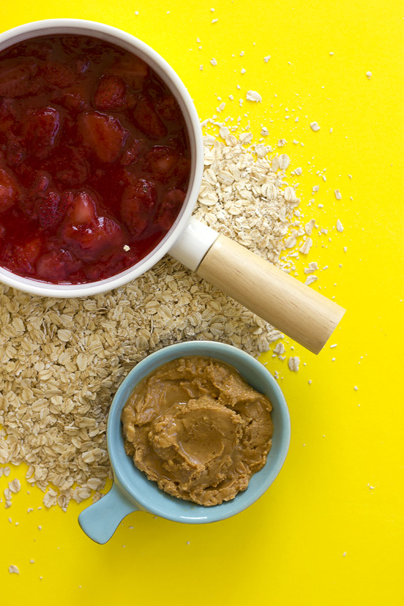 PB & J Porridge // The Sugar Hit