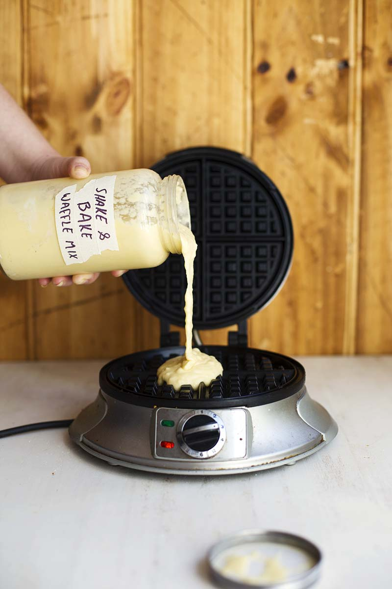 Shake and Bake Buttermilk Waffle Mix in a Jar! // The Sugar Hit